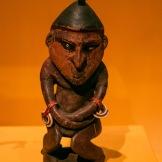 Figure féminine attribuée au peuple Giri, Papouasie-Nouvelle-Guinée, première moitié du 20ème siècle - ©Yndianna