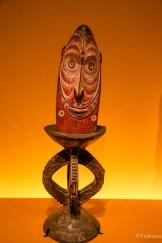 """Pupitre ou """"tabouret"""" d'orateur, milieu du 20ème siècle, Papouasie-Nouvelle-Guinée - ©Yndianna"""